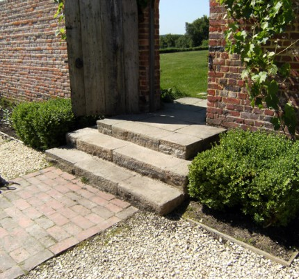 Reclaimed Stone Steps and Coping
