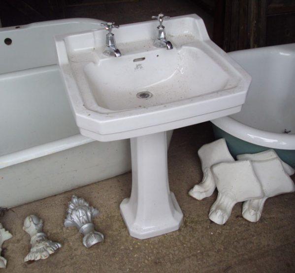 Victorian Pedestal Sinks