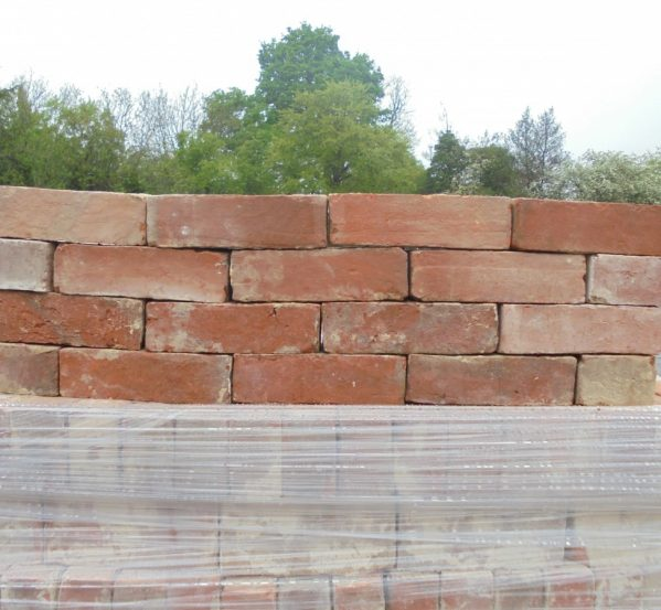 RECLAIMED HANDMADE RED BRICKS
