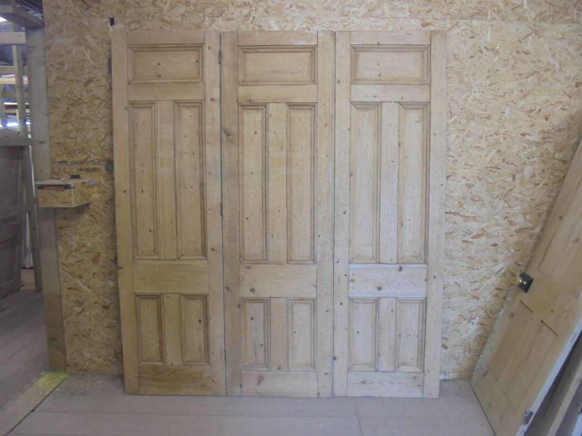 Reclaimed Tri Fold Pine Door Set