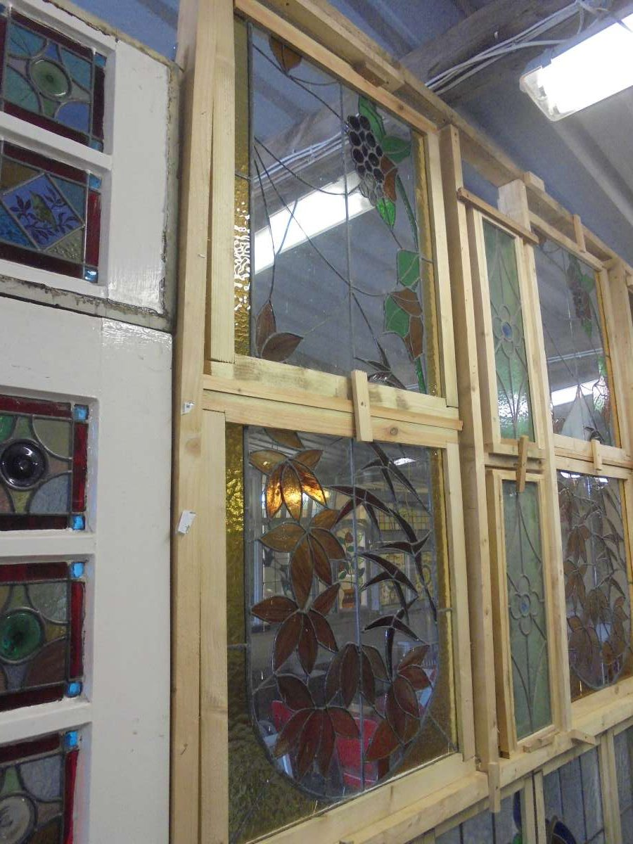 Flowering stain glass window set