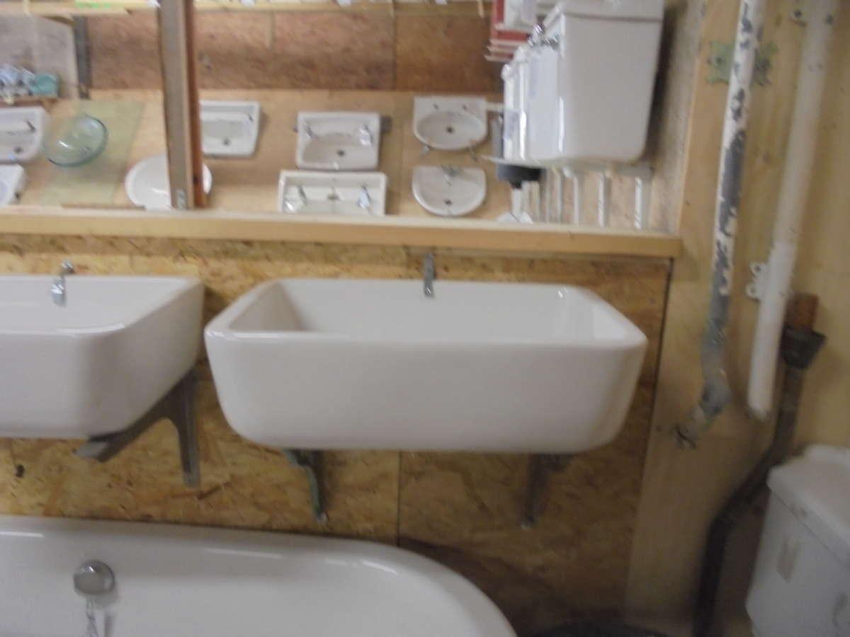 Rectangular reclaimed sink