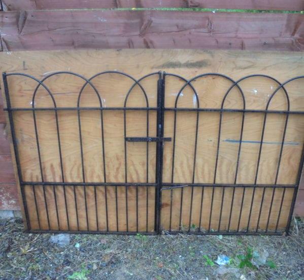 Rounded Iron Wrought Gate Railing Set