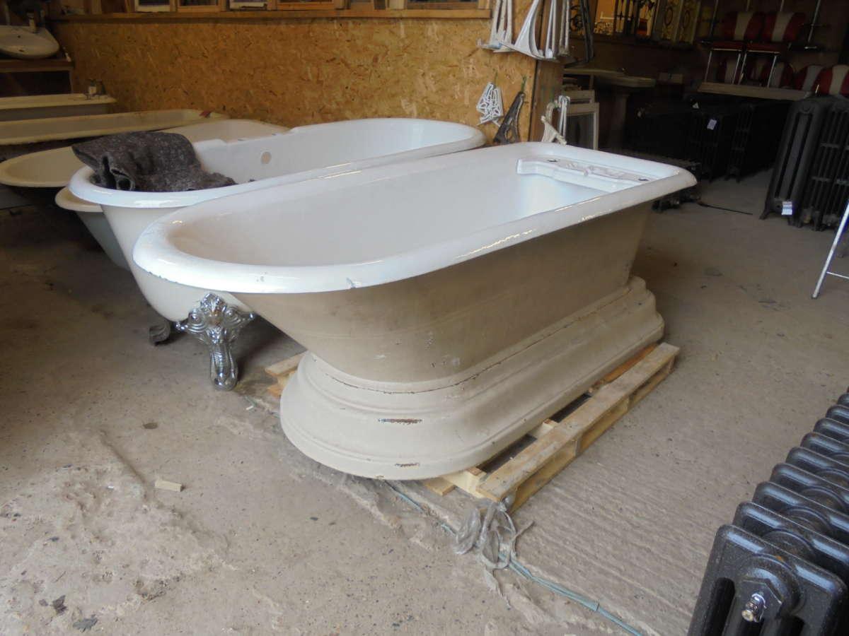 late Victorian roll top bath
