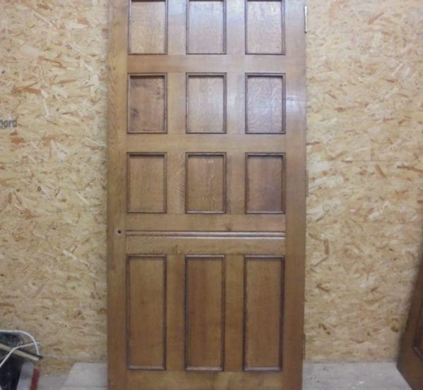 Supreme Grain Large Oak 12 Panel Door