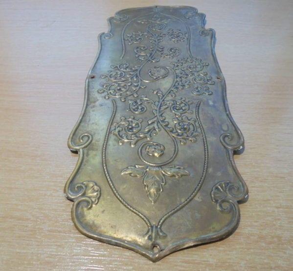 Quaint Floral Pattern Brass Push Plate