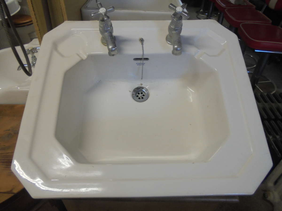 Armitage Shanks Bold Six Sided Sink