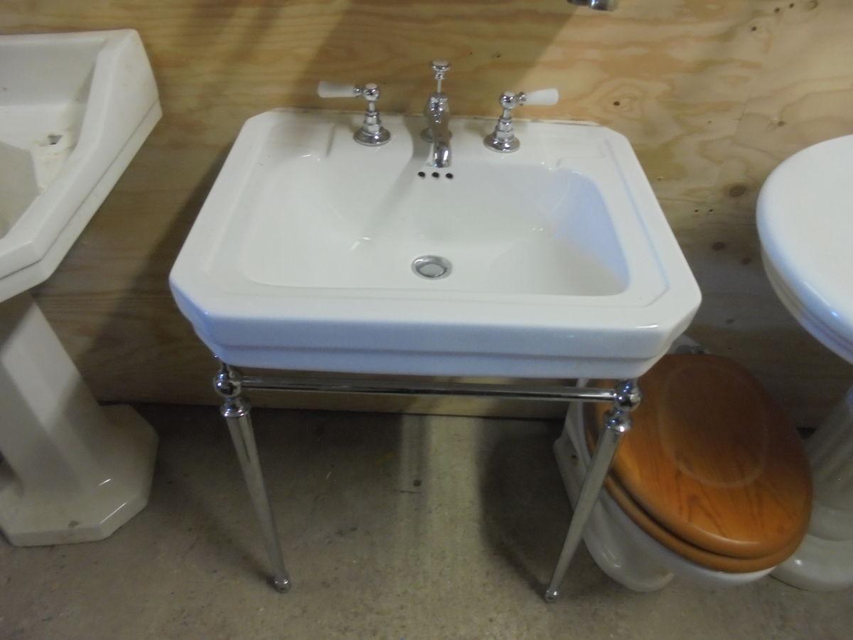 Burlington Sink with Metal Stand