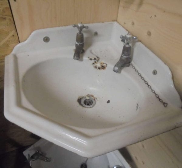Small Decorative Corner Sink