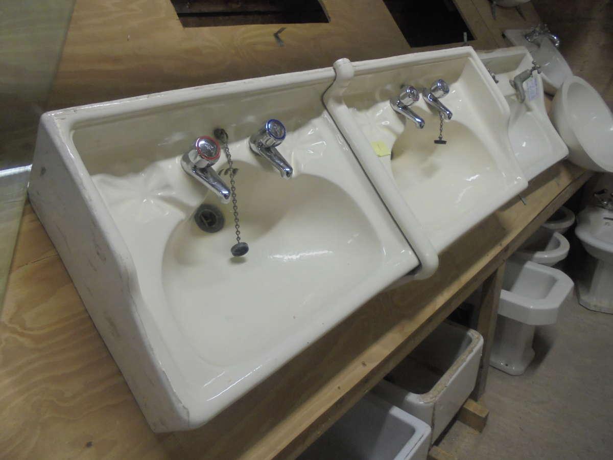 Twin Sink Set Reclaimed