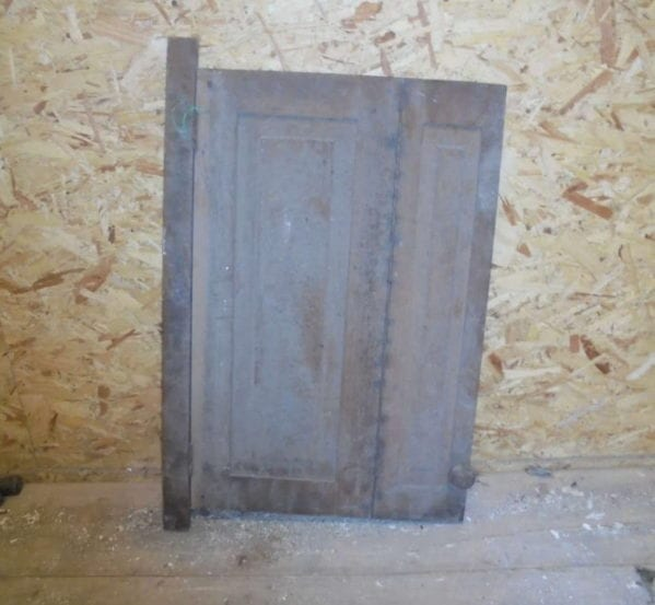 Bi-Fold Brown Stripped Cupboard Door