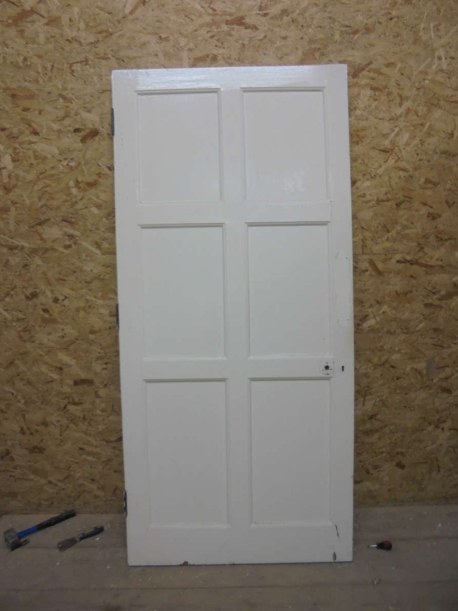 Well Presented 6 Panelled White Painted Door