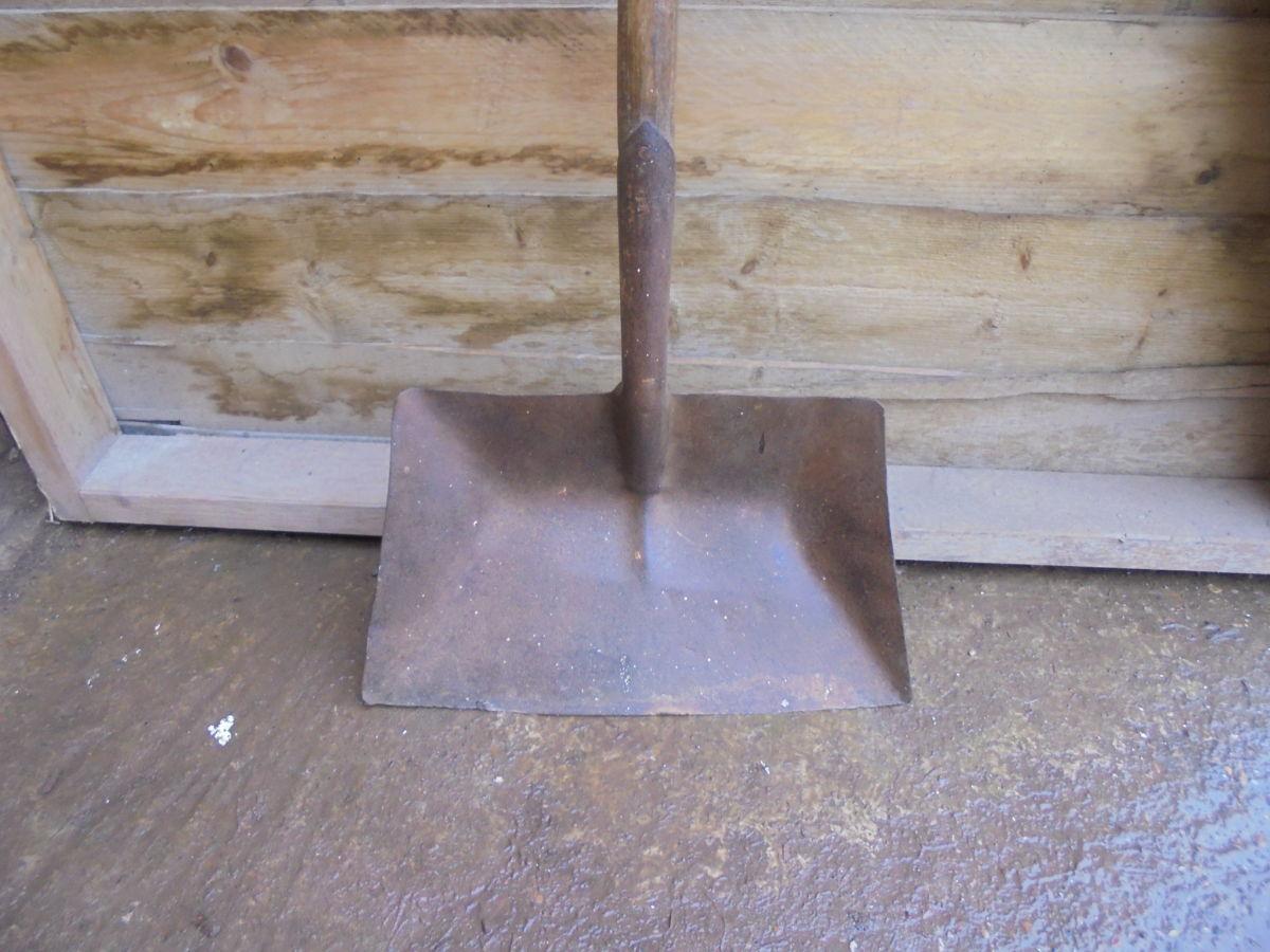 Reclaimed Malt Shovel