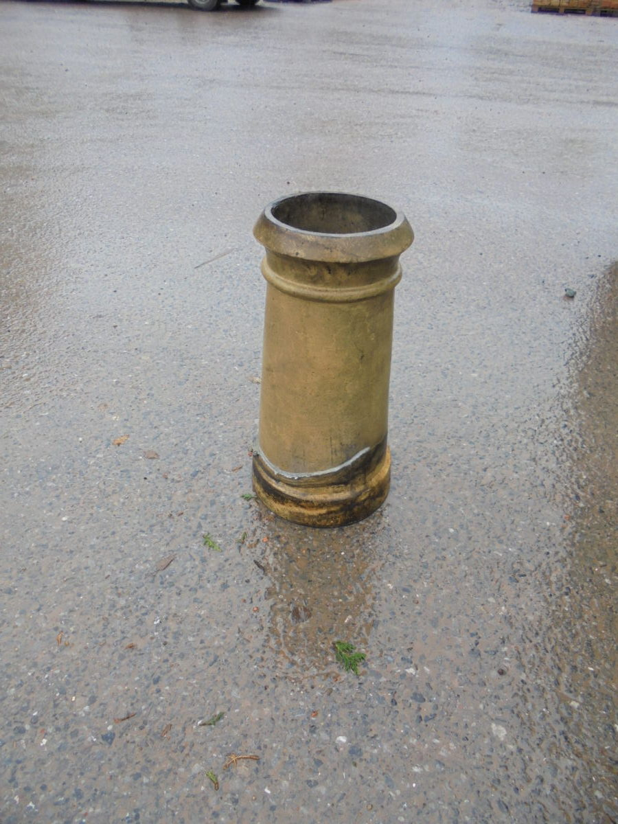 Round Buff Chimney Pot