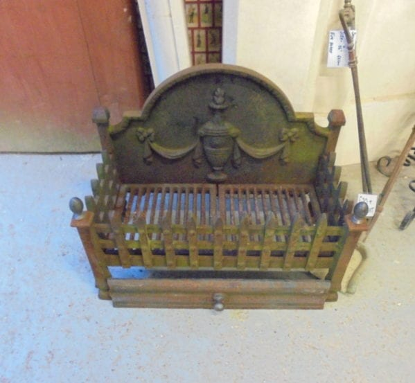 Cast Iron Fire Basket Built-in Fire Back