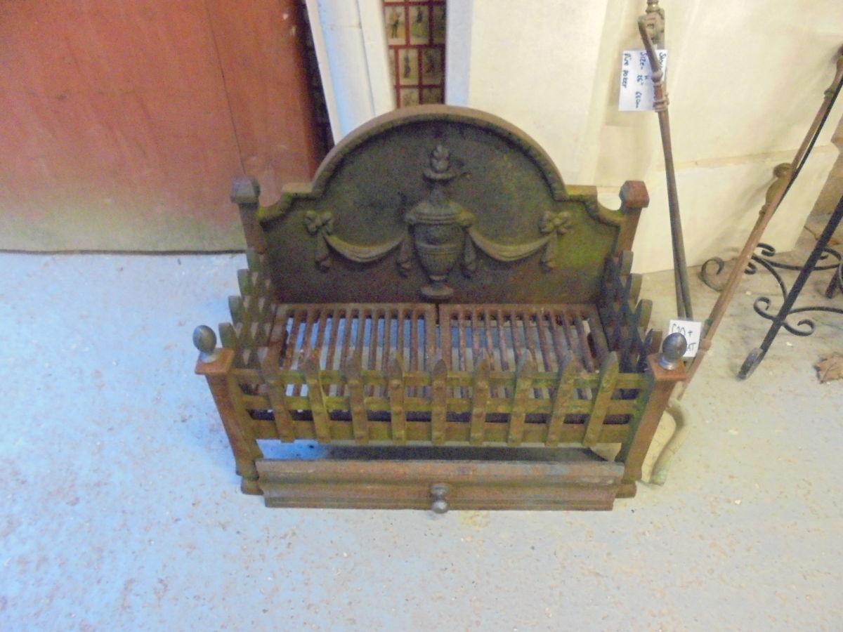 Cast Iron Fire Basket Built-in Fire Back