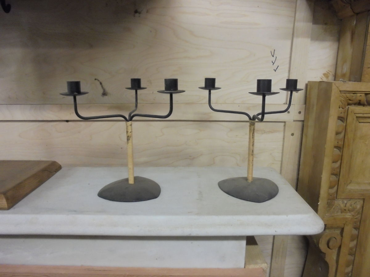 Black Triple Candlestick Pair
