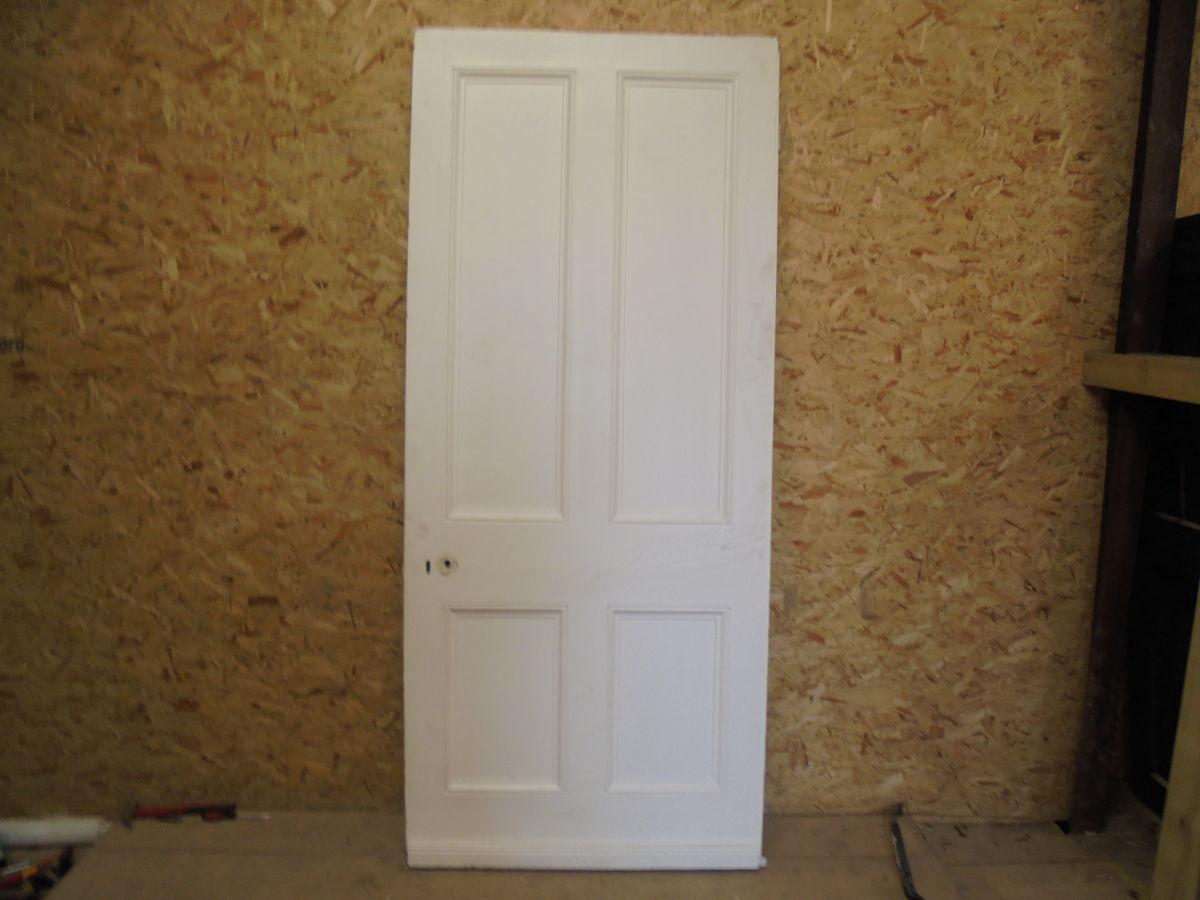 Posh White 4 Panelled Door