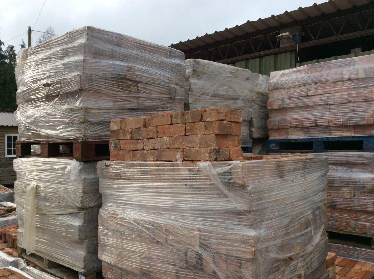 Walling Reclaimed Stock Bricks