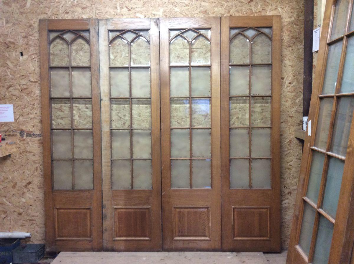 Wentworth Golf Club Half Glazed Oak Room Dividers