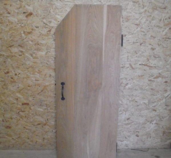 Beautiful Light Oak Ledge & Brace Corner Cut Door