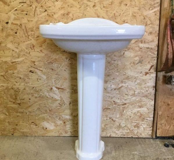 Reclaimed Lecico Sink & Pedestal