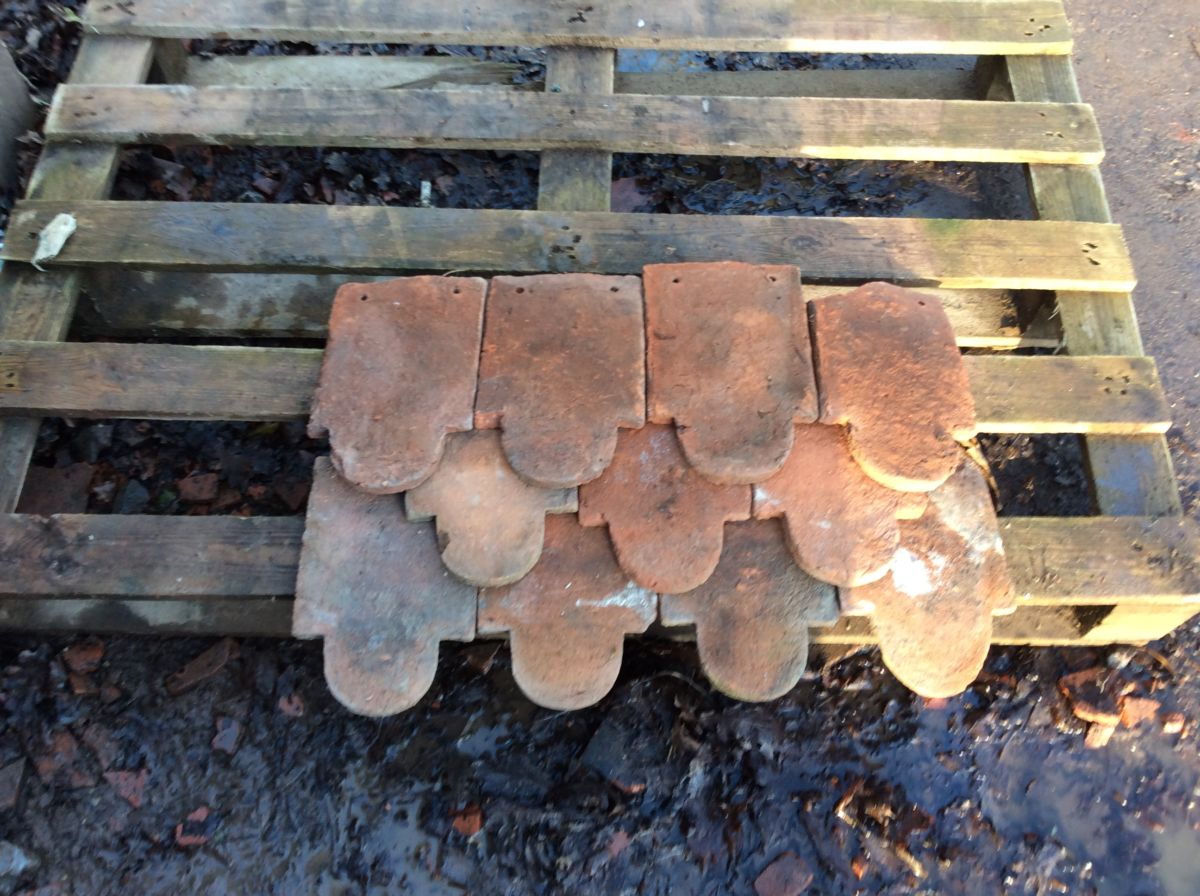 Weathered Reclaimed Hanging Clay Club Tile