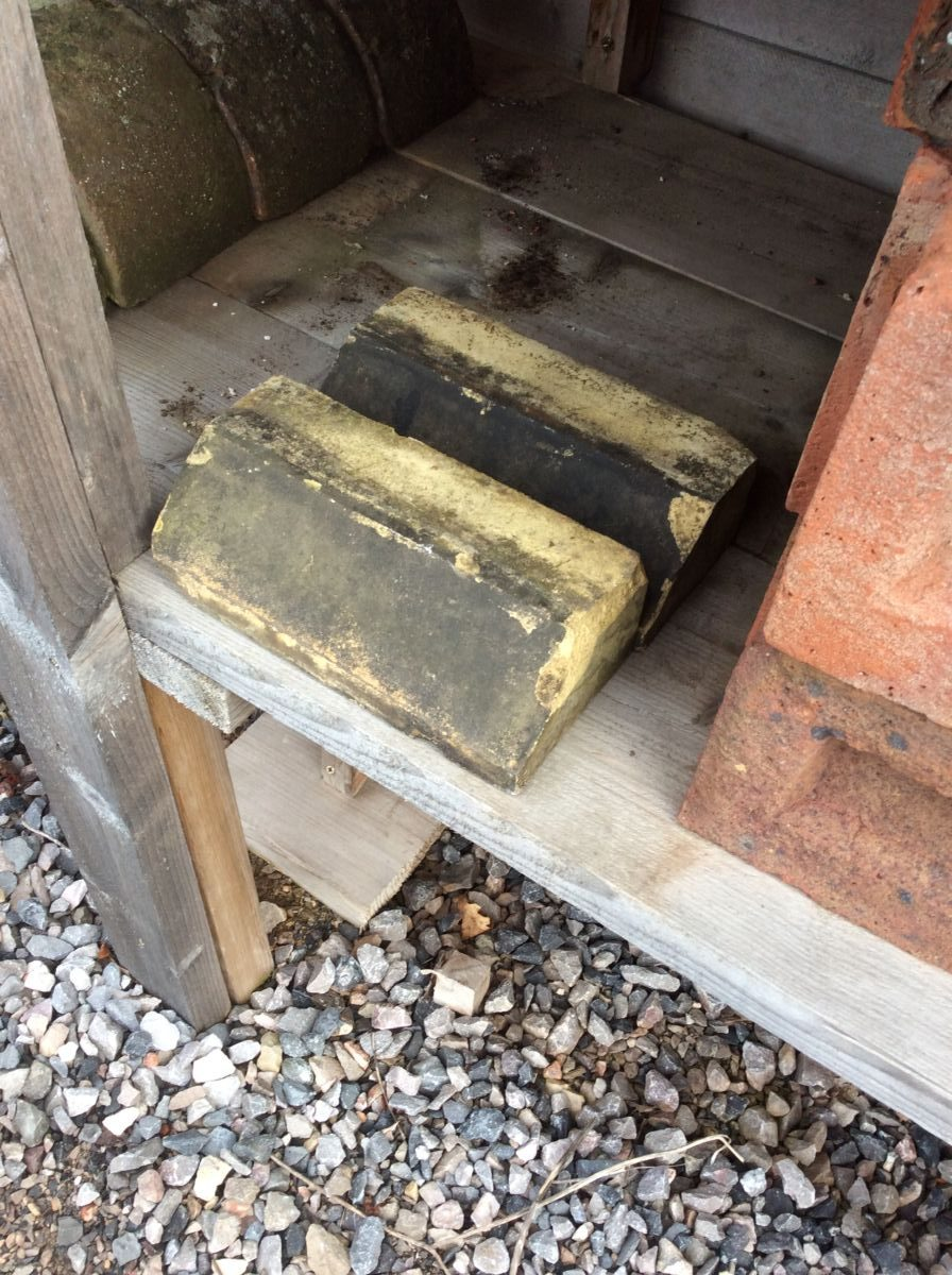 Reclaimed Weathered Yellow Plinth Bricks