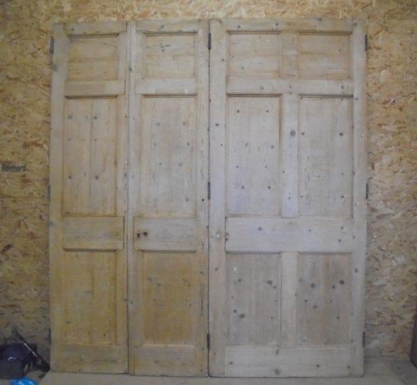 Stripped Bri-folding 6 Panel Doors