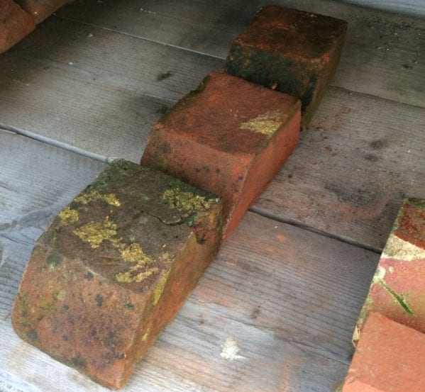 Small Reclaimed Plinth Bricks