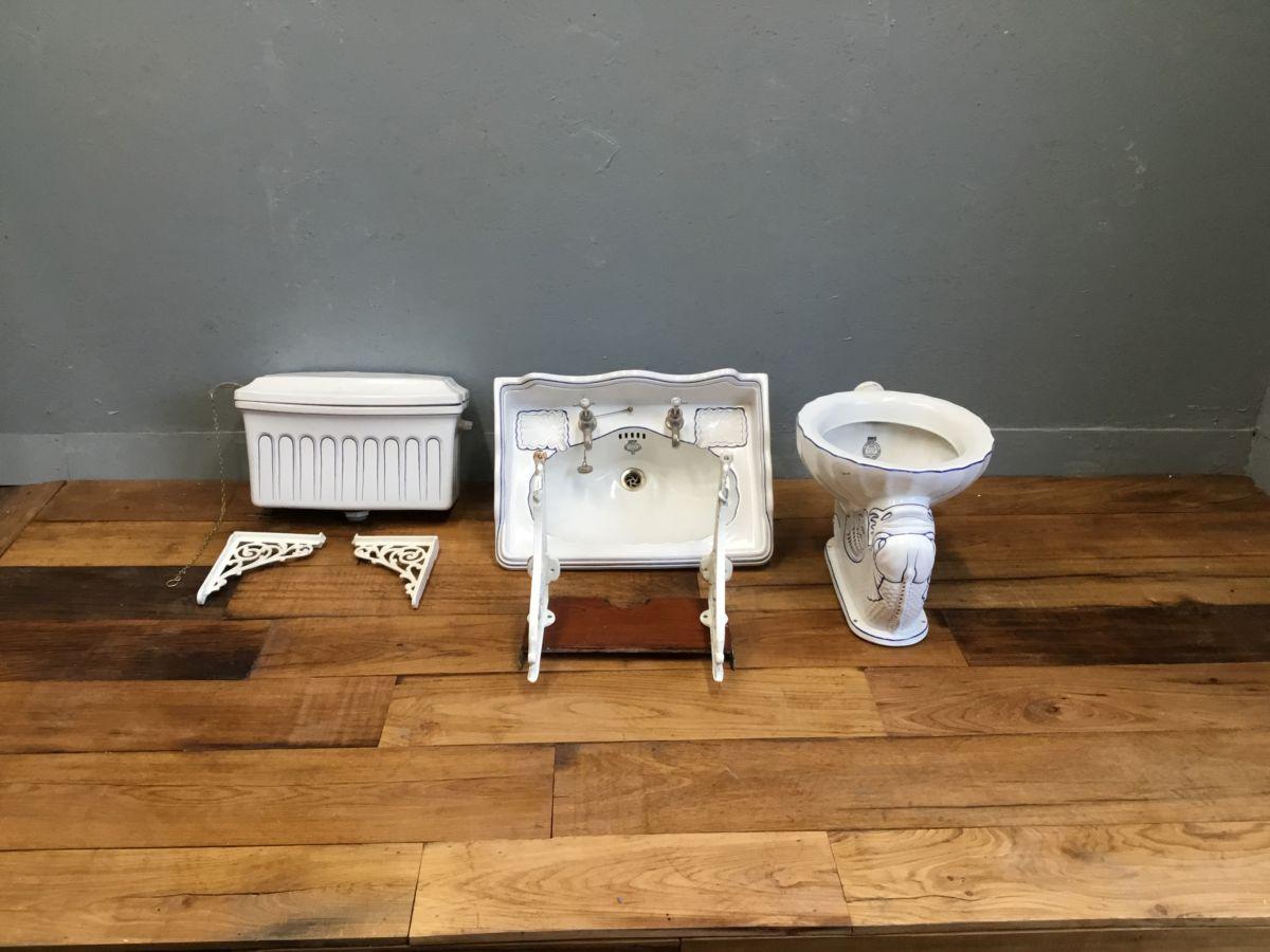 Blue Detail Cistern, Sink & Bidet Set