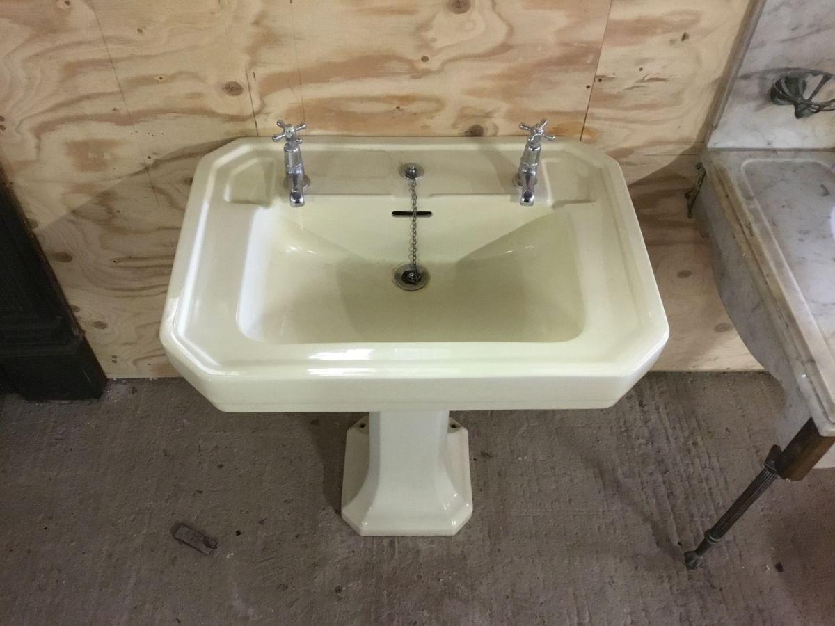 Yellow Shanks Six Sided Sink & Pedestal