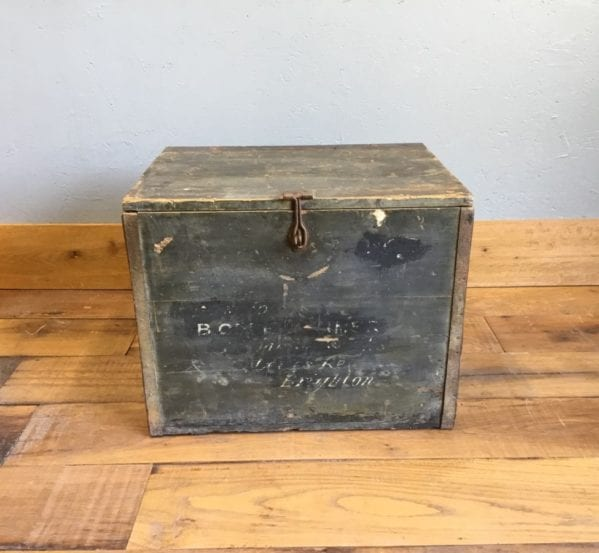 Medium Wooden Trunk