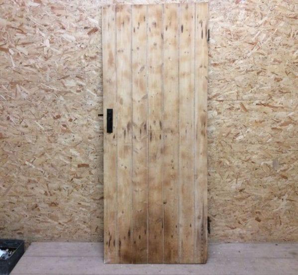 Tall Stripped Ledge & Brace Door