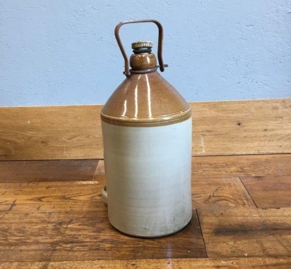 Medium Metal Handle Stoneware