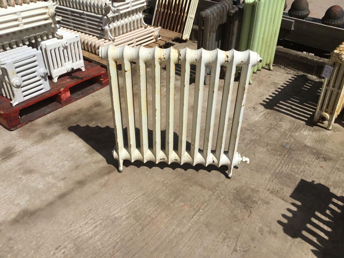 Reclaimed Medium Standing Cast Iron Duchess Radiator 10 Sections.