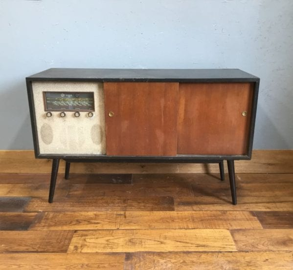 Retro TV Unit