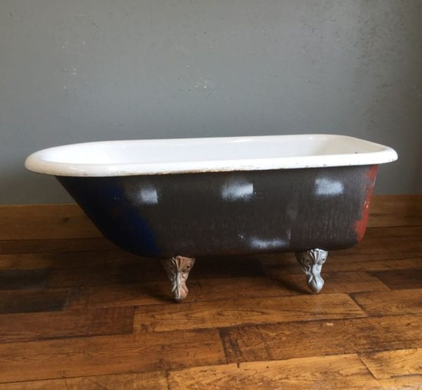 Short & Wide Cast Iron Bath