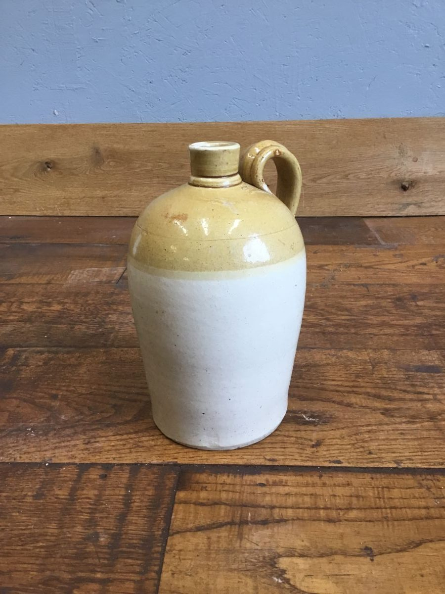Beige Pot & Handle