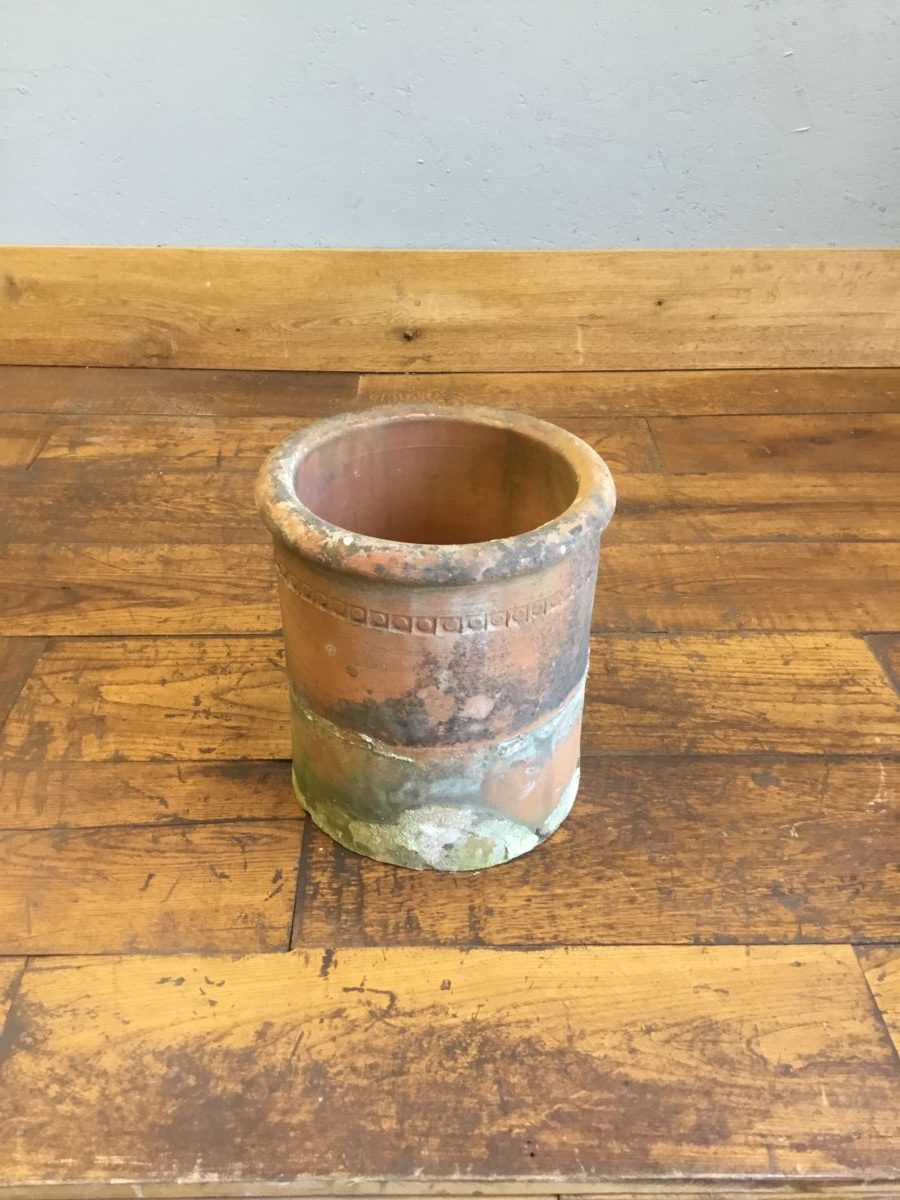 Round Low Chimney Pot