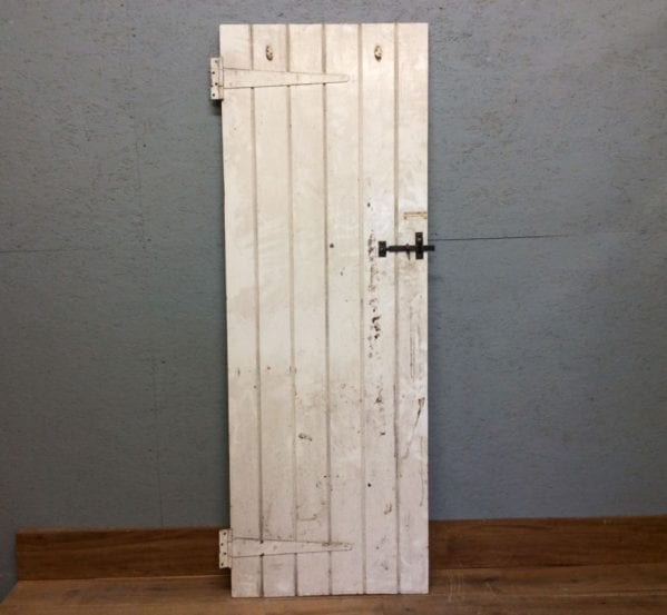 Ledge & Brace Door in White
