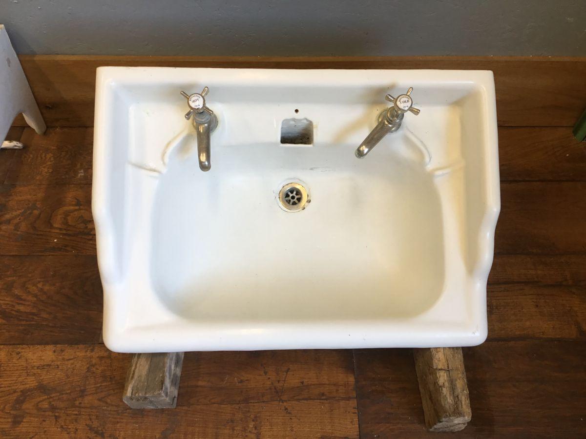 Cast Iron Sink & Brackets