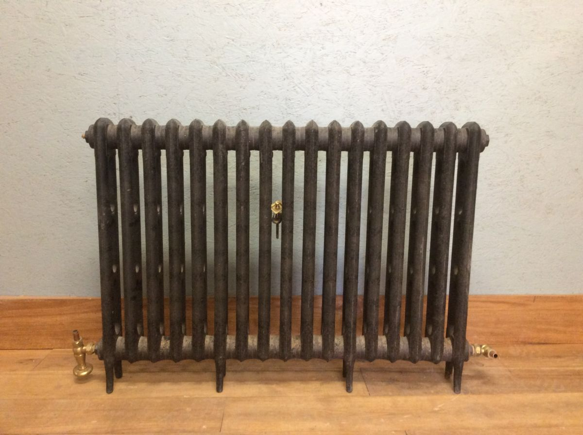 Reclaimed 2 Bar Radiator 17 Sections