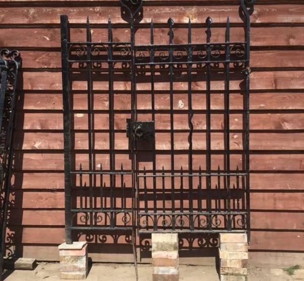 Single Gate & Side Panel