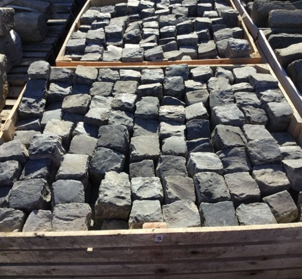 Dark Reclaimed 4 Inch Granite Cobbles
