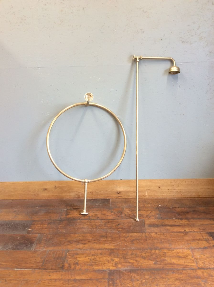 Brass Shower Head & Round Curtain Rail