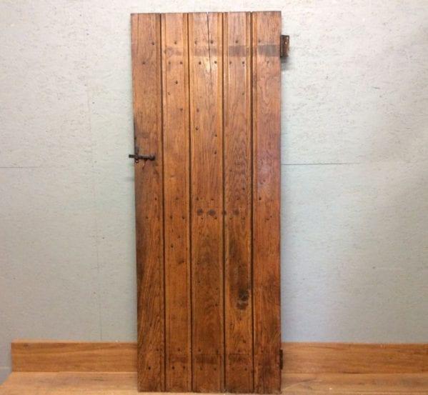 Oak Ledge & Brace Plush Door