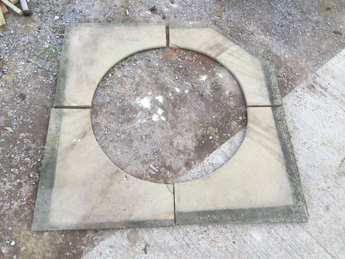 York Stone Feature Paving Surround Circle