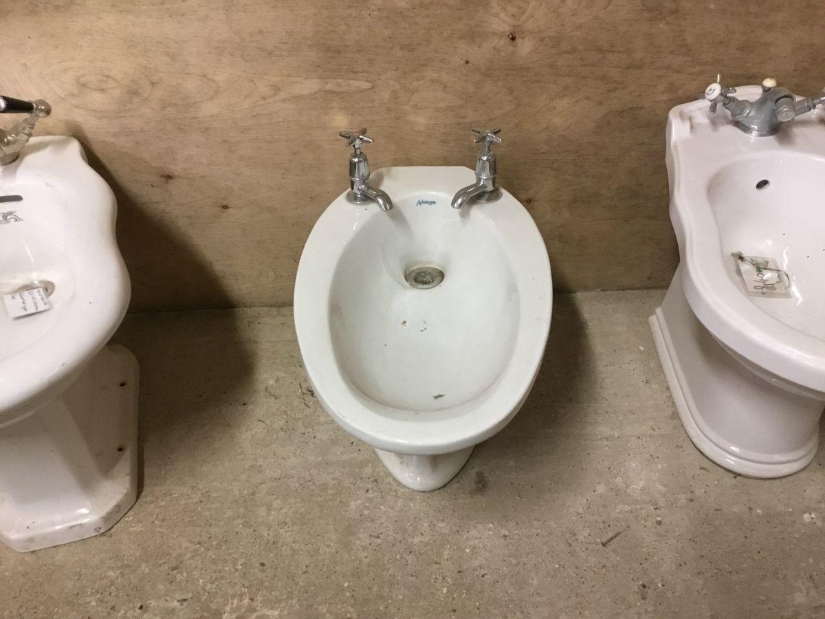 Reclaimed Oval Bidet