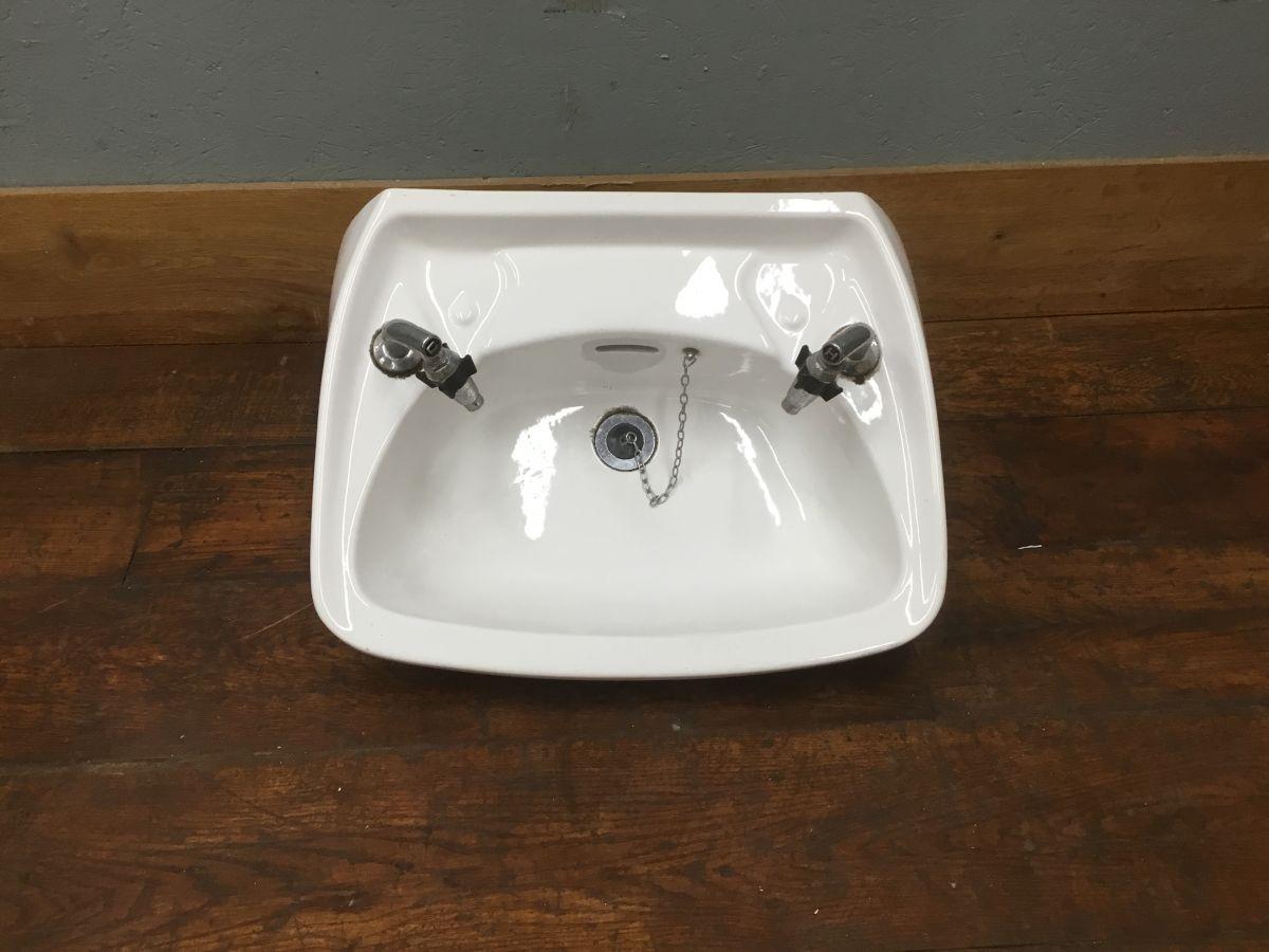 Large Sink & Supa Taps